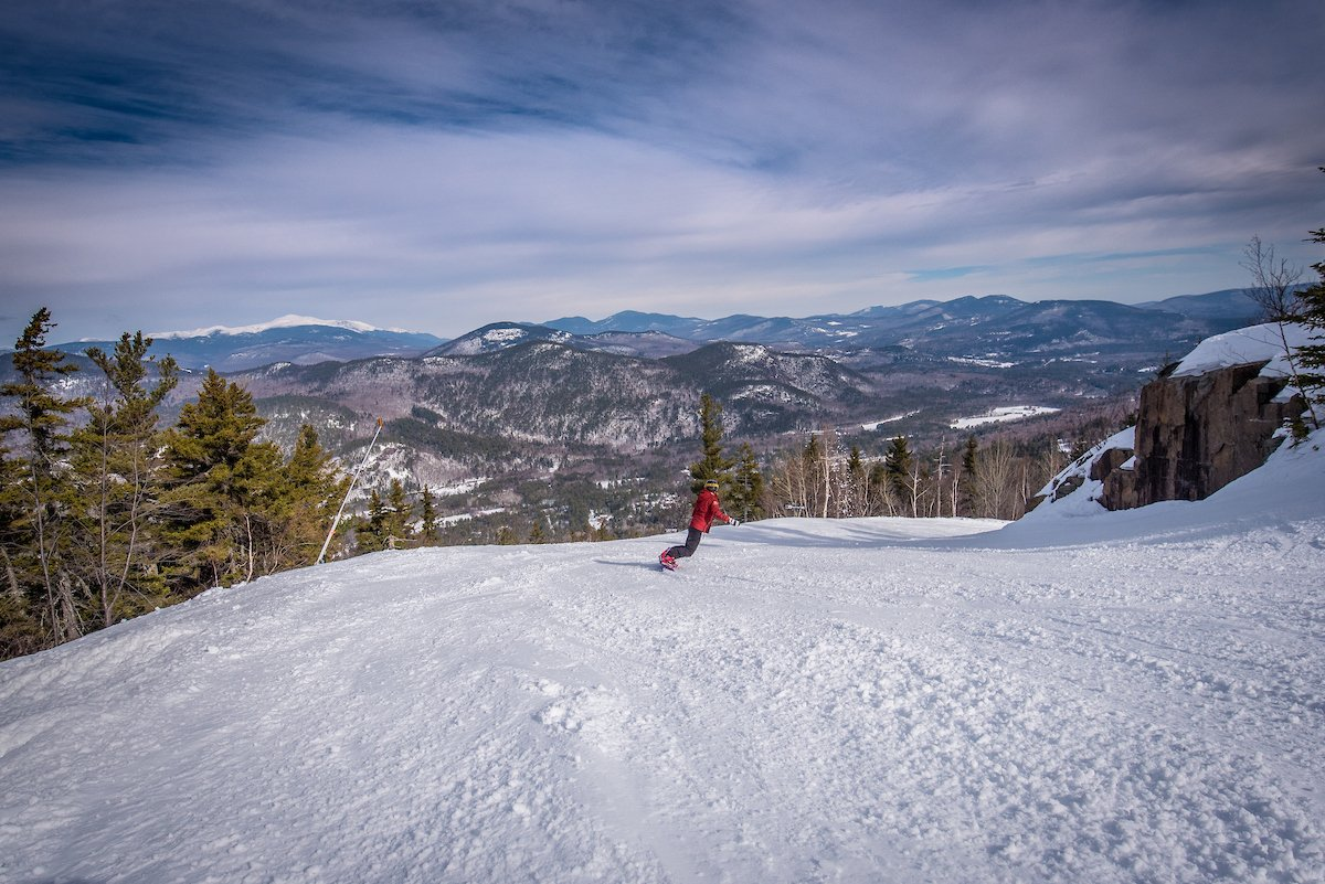 15 Scenic Places to Go Snowboarding & Skiing Near Montreal