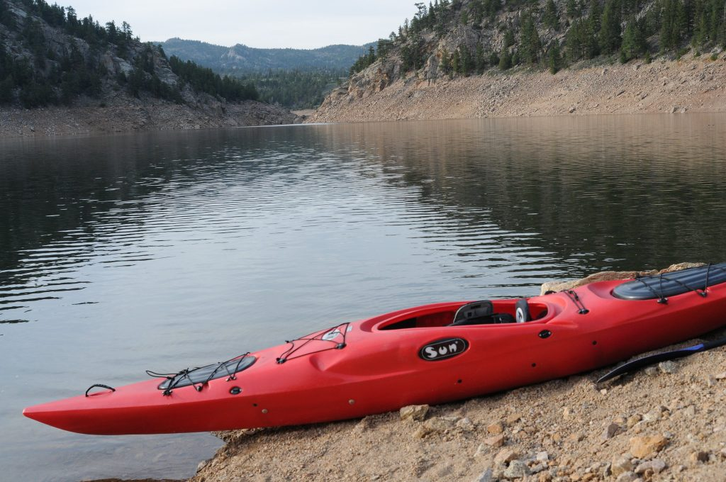 Denver's dry and arid climate meets the water at the sandy Boulder Reservior. Shallow waters make Boulder Reservior an ideal choice for beginners looking to kayak in Denver.