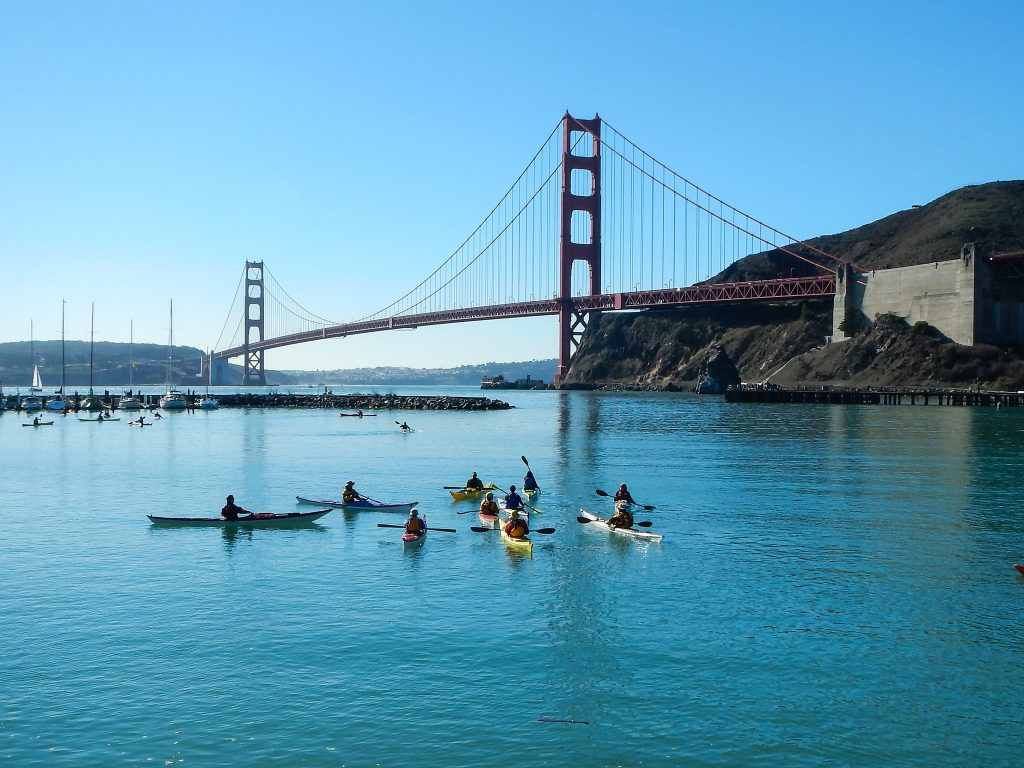 When kayaking in San Francisco you can explore famous landmarks like the Golden Gate Bridge!