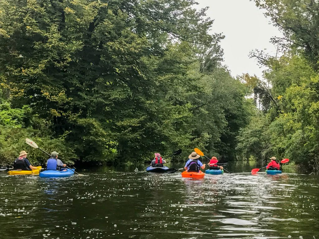 Kayaking down the Delaware River is a great outdoor activity for the whole family! Kayaking in Philadelphia is a must-do activity this summer!