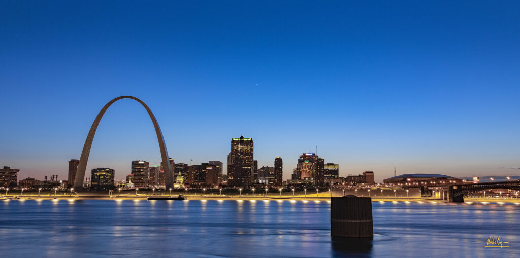 you can see the beautiful st. louis skyline from the water